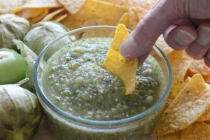 roasted tomatillo salsa and chips
